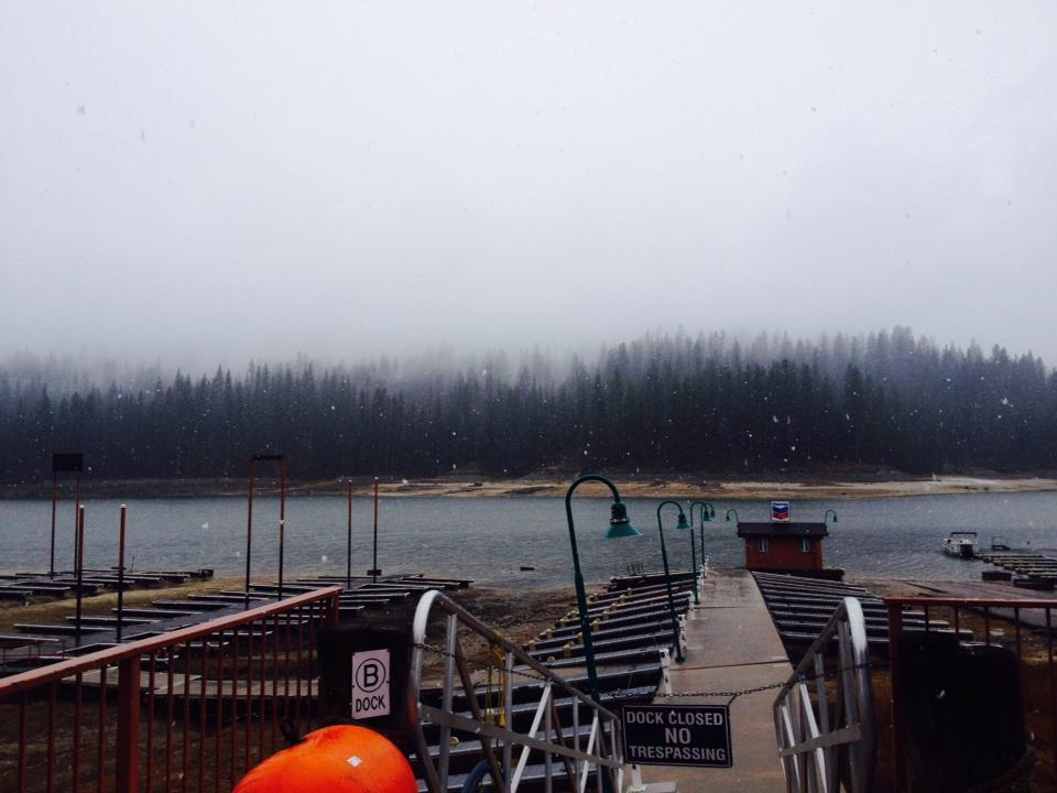 2014-02-06-snowy-day-at-bass-lake-california
