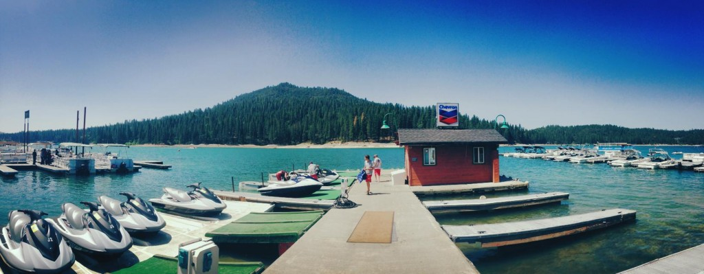2014-06-16-bass-lake-marina-panorama-001