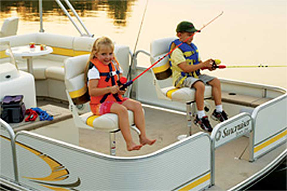 2015-kids-fishing-patio-boat