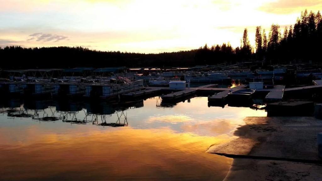 2015-06-30-bass-lake-ca-marina-sunset